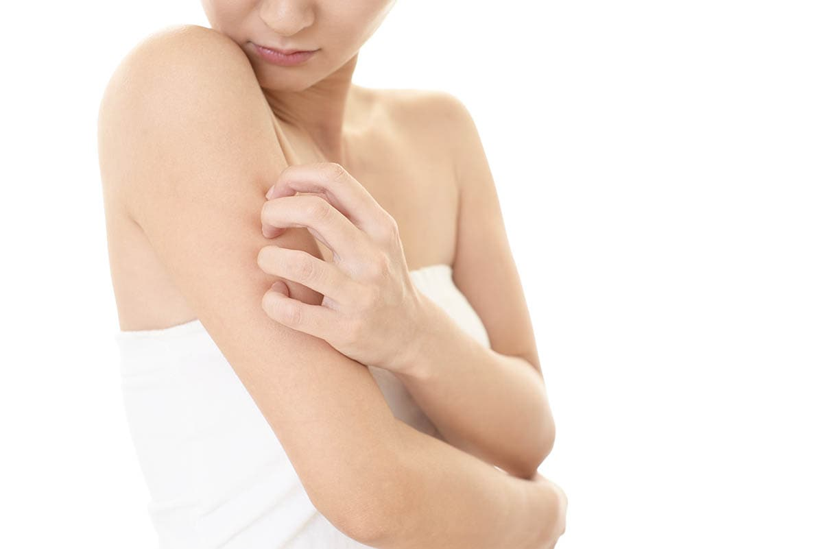 アトピー肌でも脱毛できる?クリニック・サロンの対応とおすすめの脱毛方法