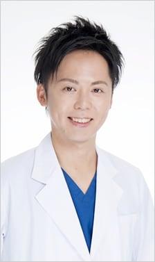 岩脇 槙佑 医師