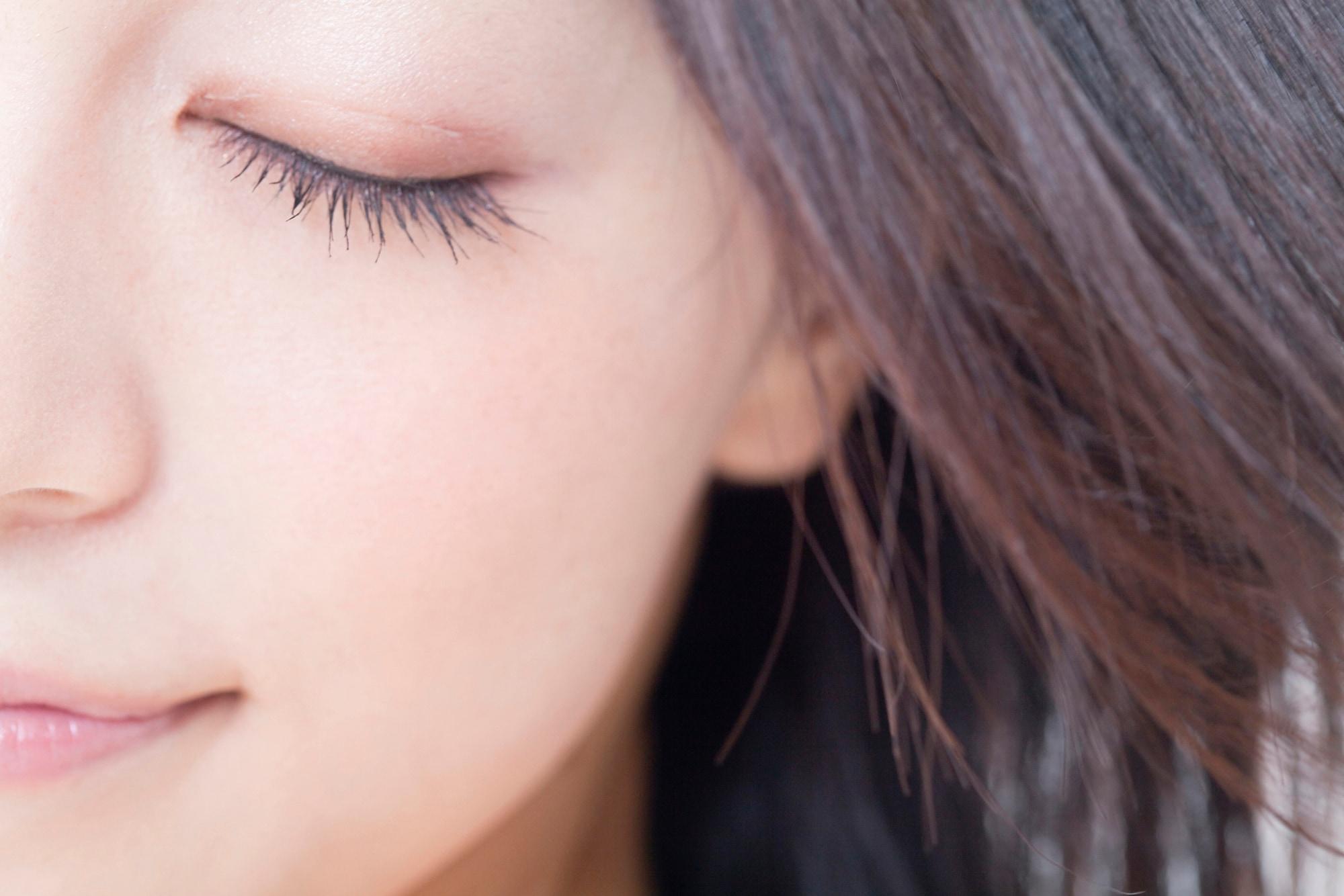 目 の むくみ を とる 方法